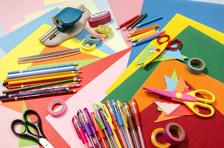 Summer Arts and Crafts to Welcome Warm Weather