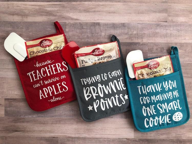 Teacher-Inspired Pot Holders
