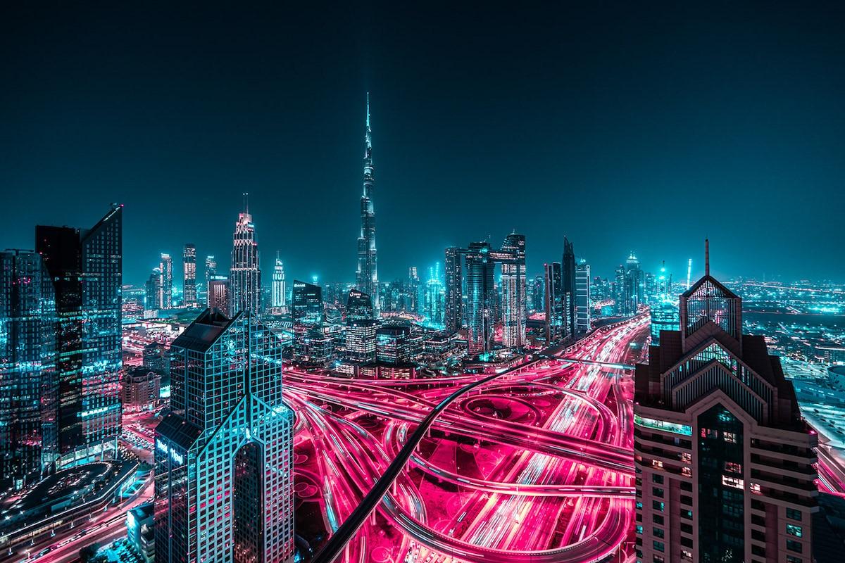 Dubái de noche por Xavier Portela