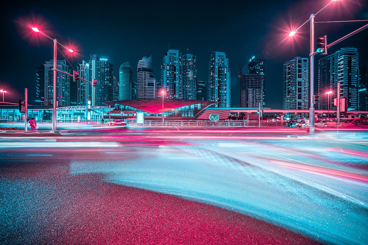 Dubai neon por Xavier Portela