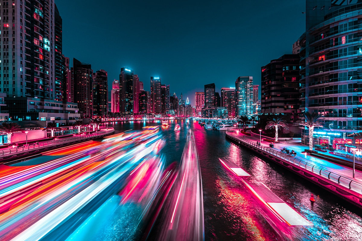 Dubai de noche por Xavier Portela