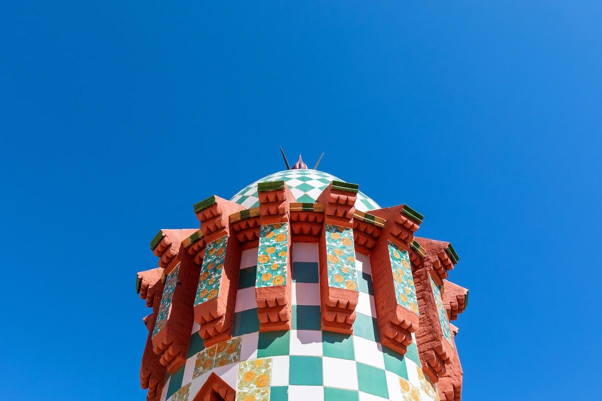 Detalle de la Casa Vicens de Antoni Gaudí en Airbnb
