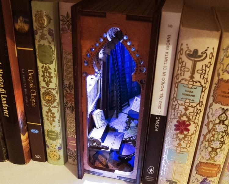 Bookshelf Decor by Le 3 Befane