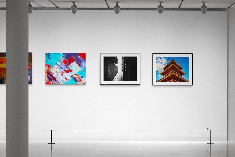 Online Gallery Mockup