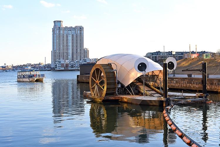 M. Trash Wheel nettoie les déchets plastiques dans le port de Baltimore