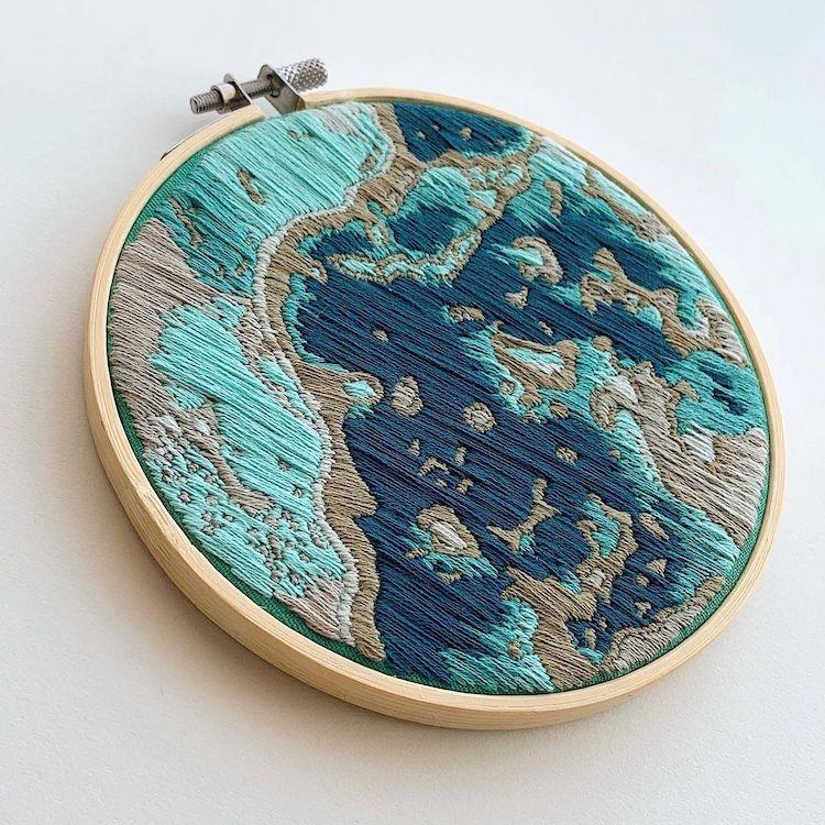 broderies inspirées d'images satellitaires
