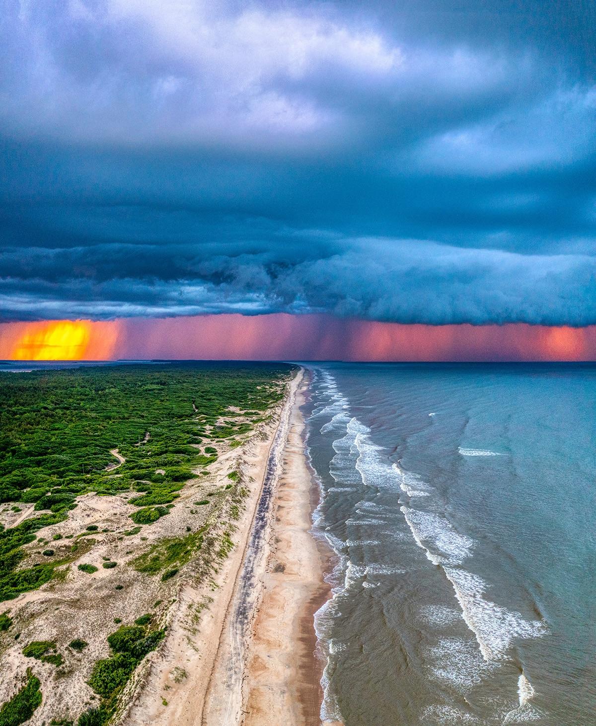 atardecer tormentoso en Carolina de norte
