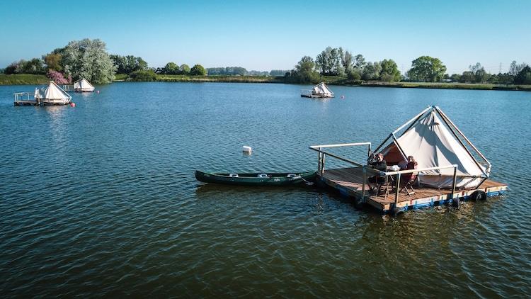 Vlotkamp - Pop Up Raft Hotel