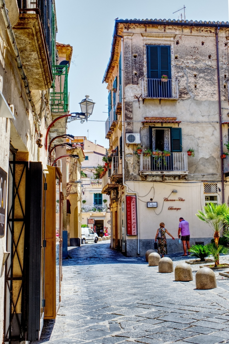 Get Paid To Move to Calabria Italy