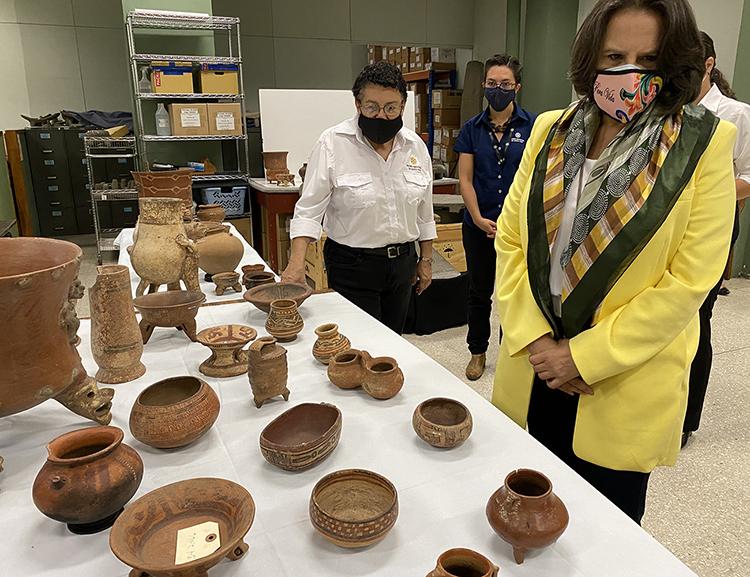 Costa Rica recibe objetos del museo de brooklyn