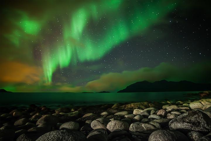 Nicholas Buer Beach Aurora Web