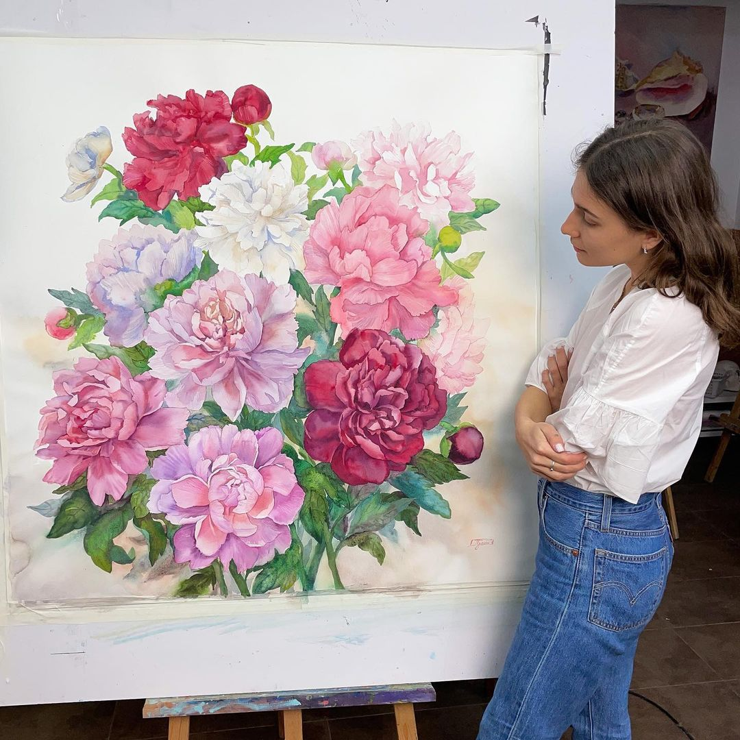 Grandi dipinti ad acquerello mostrano la delicata e particolareggiata bellezza dei fiori di Janet Pulcho