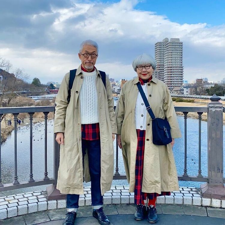 pareja japonesa con atuendos coordinados por bonpon