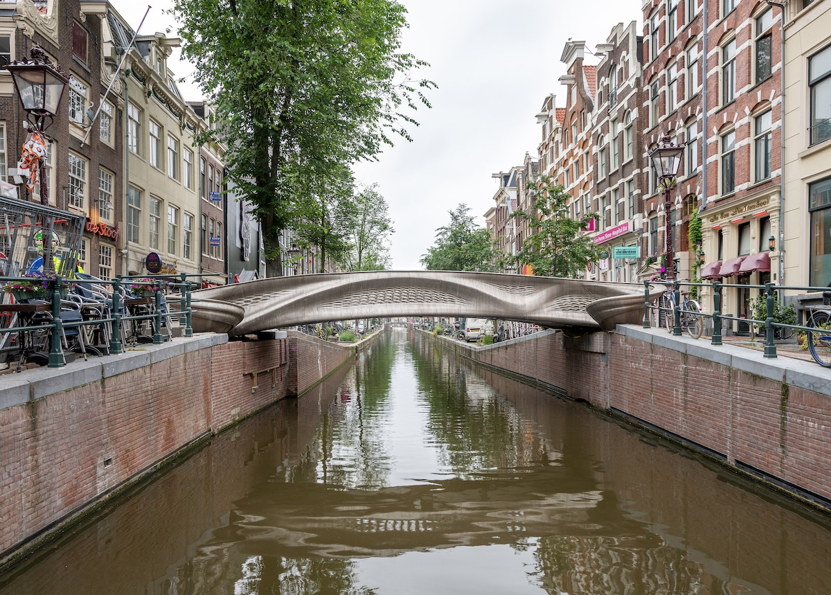 Mx3D Bridge, the first stainless steel 3D printed bridge by Joris Laarman Lab with MX3D and Arup