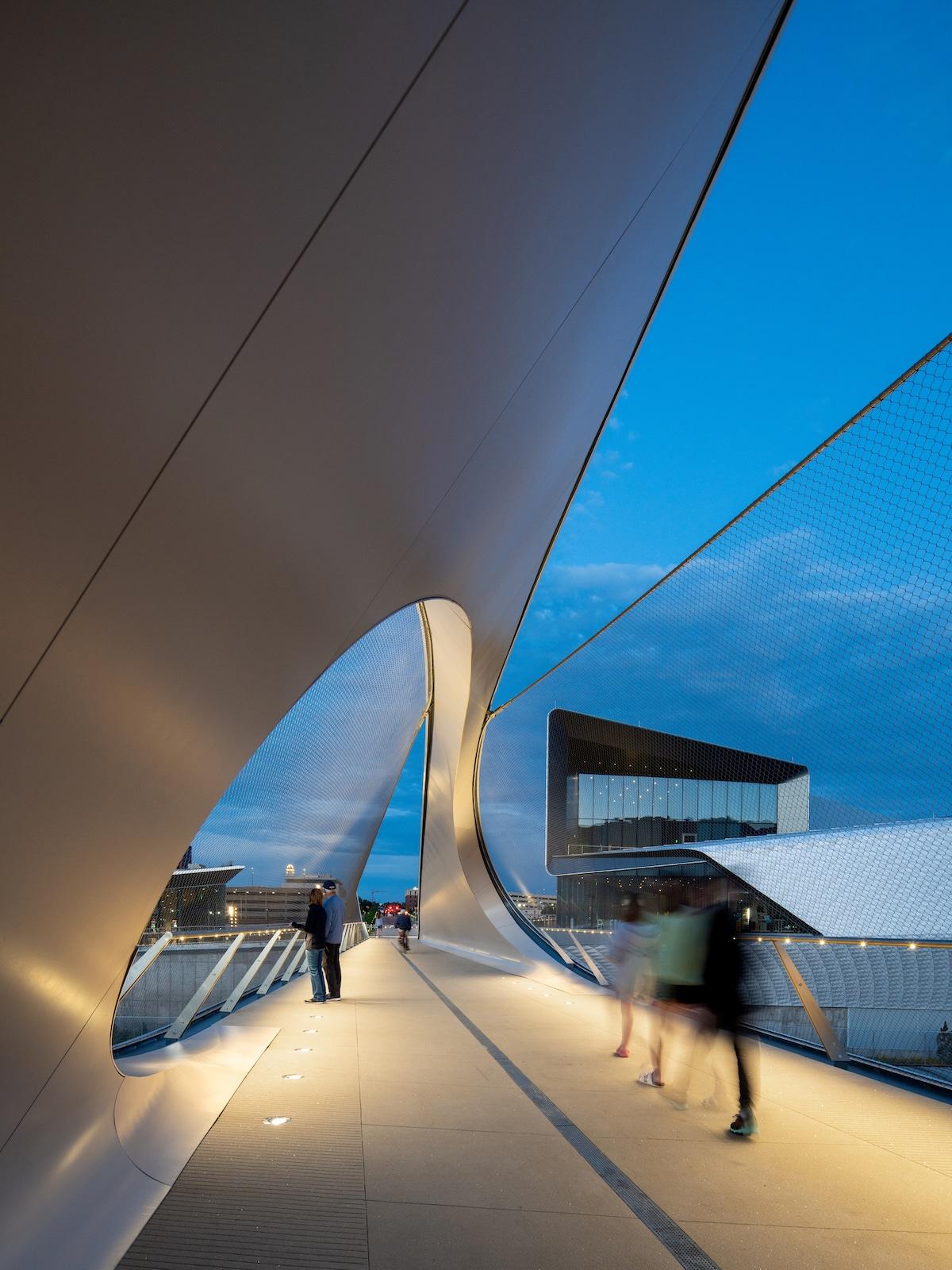 Close-up of Park Union Bridge by Diller Scofidio + Renfro