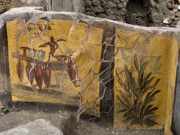 Pompeii Snack Bar Open to Visitors