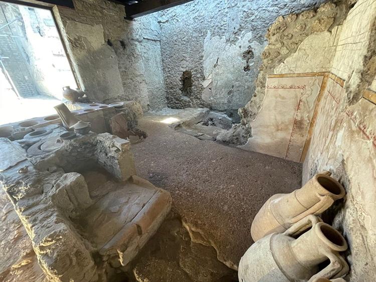 Amphorae In Pompeii