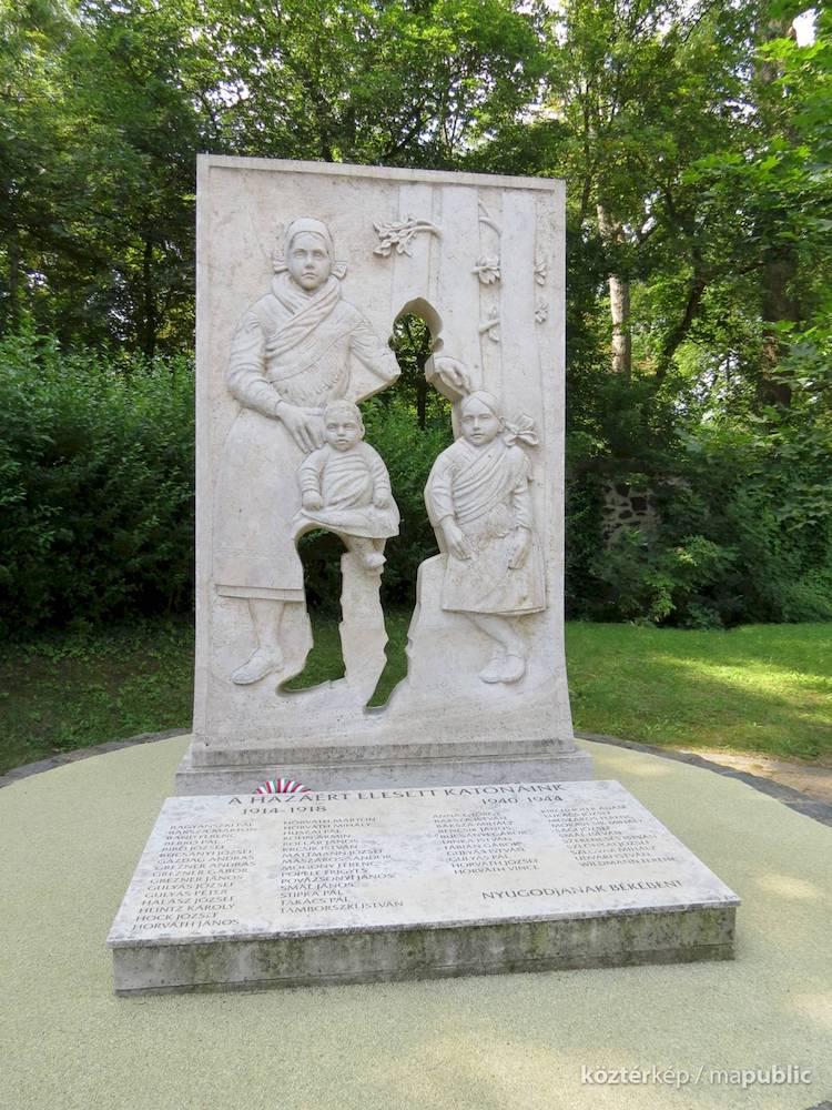 World War Memorial by Bojte Horvath Istvan