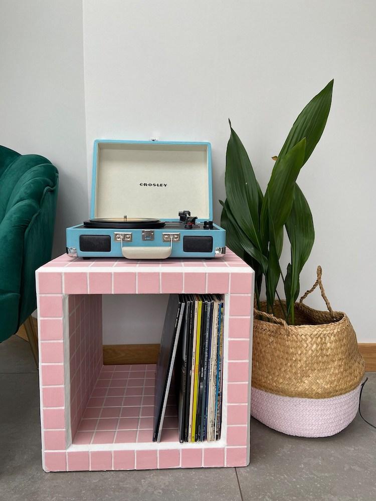 Mesa de azulejos hecha a mano