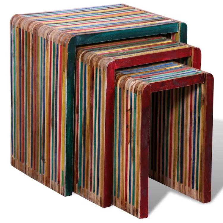 Mesas coloridas de teca recuperada