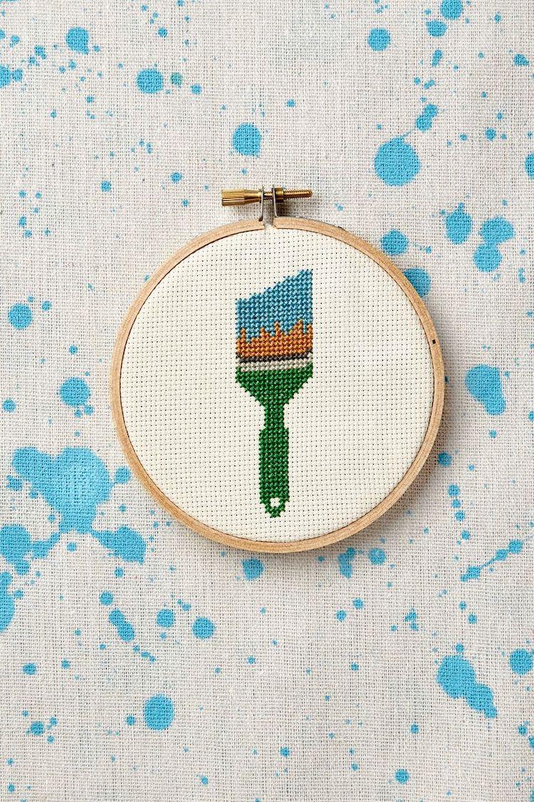 Brush cross stitch pattern