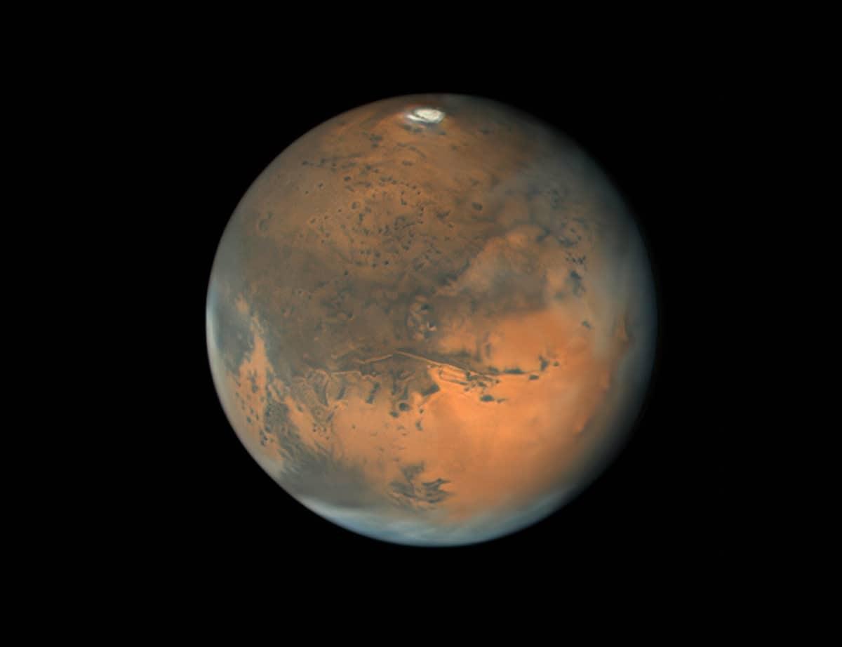 Vista de Marte con Valles Marineris