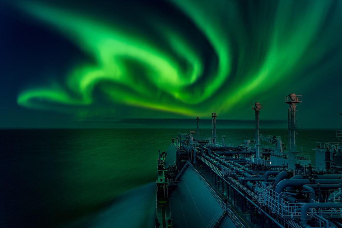 Aurora Boreal sobre un barco