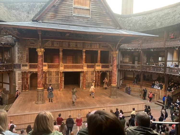 Audience Choice, Performance du 28 août 2021, Shakespeare's Globe, Londres. (Photo : Leyla Hattabi/My Modern Met)