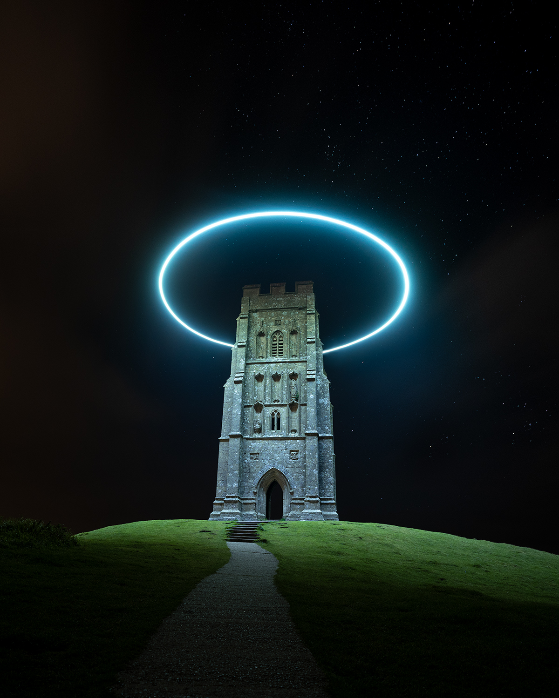 Halo de lumière sur la Glastonbury Tor par Will Ferguson
