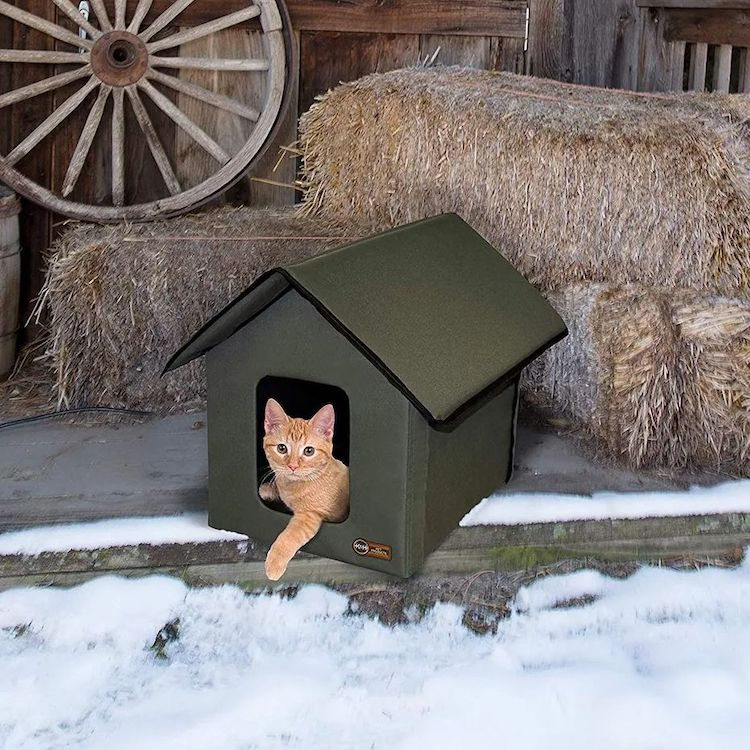 Heated Outdoor Cat House by K&H Pet Products