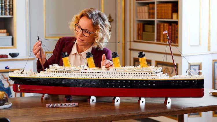 Titanic LEGO Set