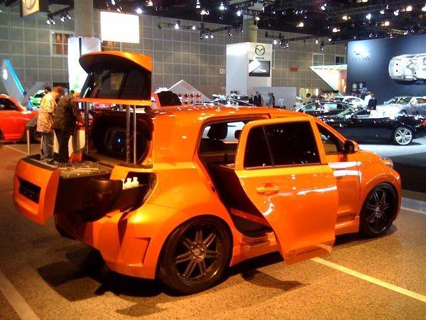 Scion and Kogi's New Mobile Kitchen Car (3 pics)