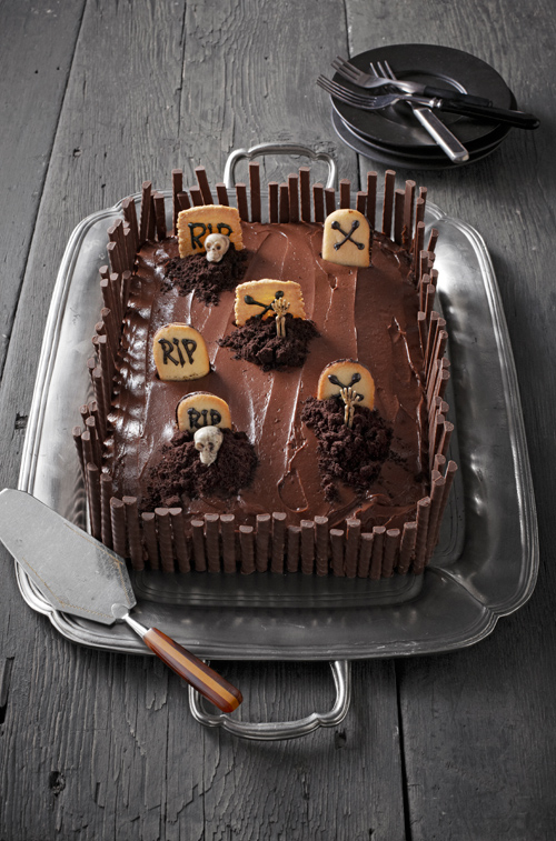 Clever Halloween Cakes to Leave You Inspired and Bewitched