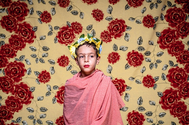 powerful project gives anyone the opportunity to become frida kahlo