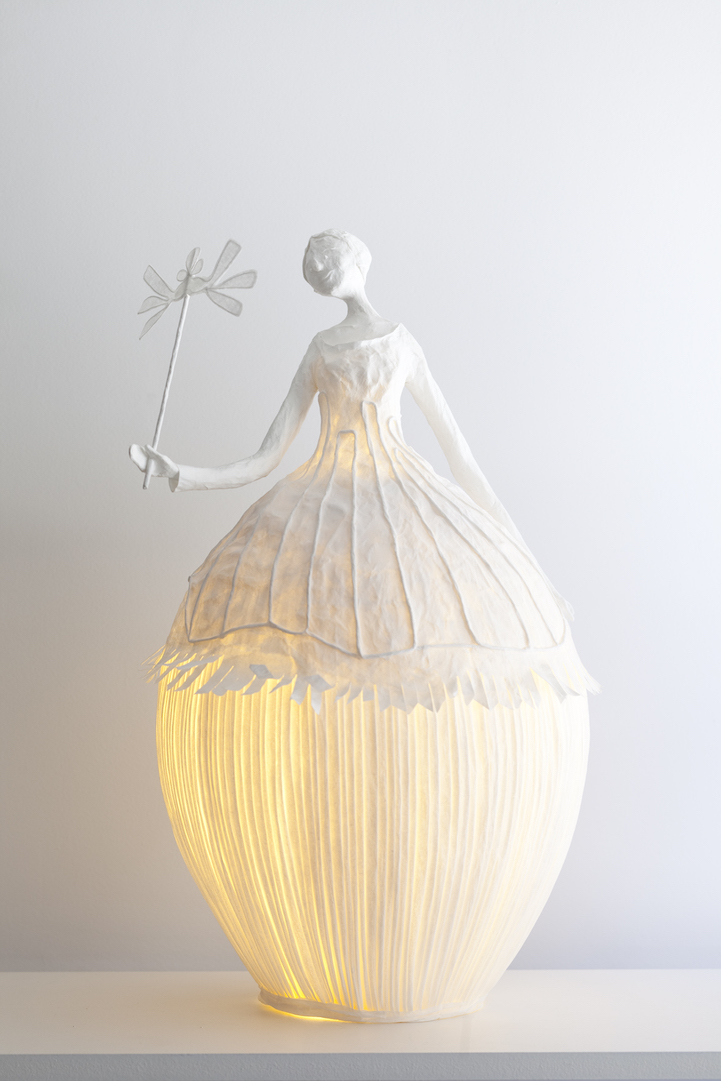 Figurative Papier M 226 Ch 233 Lamp Sculptures Illuminate A Room With Ethereal Elegance