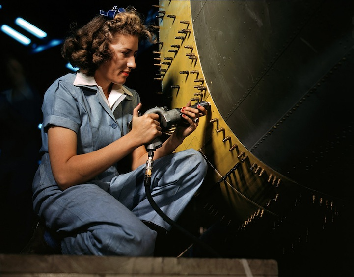 Colorized Photos of Women Building War Planes in the 1940s
