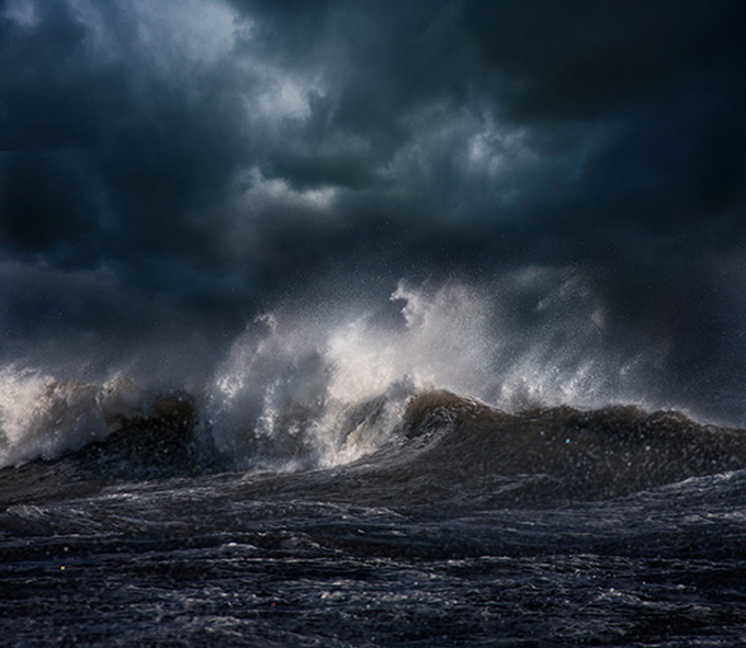 Dynamic Photos Of The Ocean During Powerful Storms