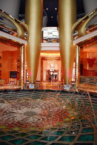 Inside the spectacular burj al arab dubai 14 pics for Burj al arab per night