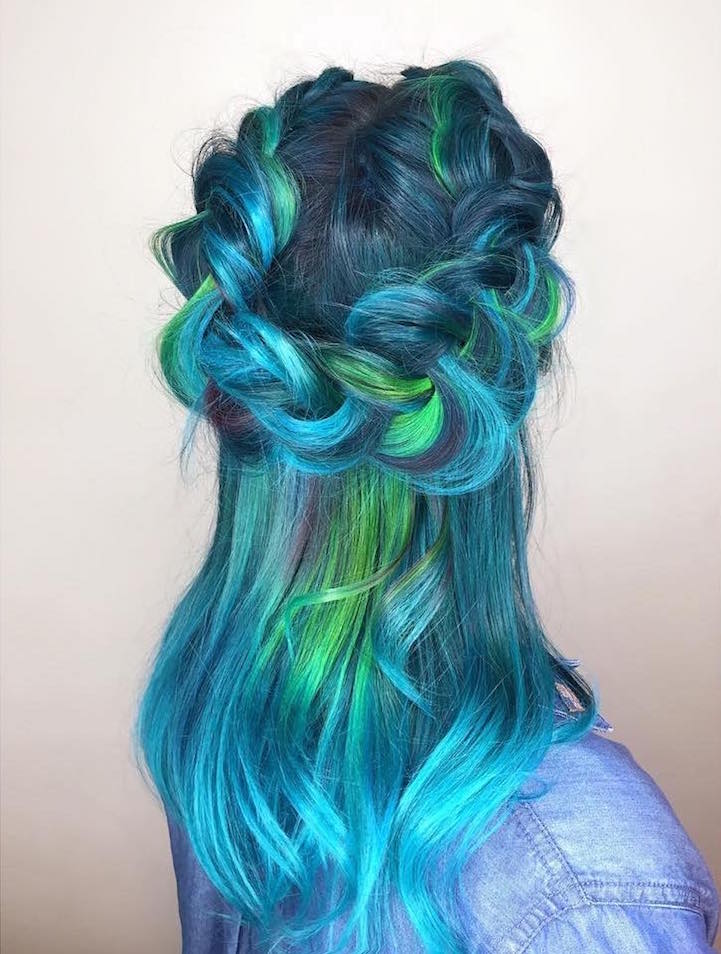 """Mermaid Hair"" Trend Has Women Dyeing Hair Into Sea ..."