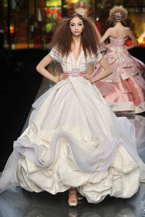 John Galliano Rocks Christian Dior\'s 2009 Spring Collection (14 Pics)