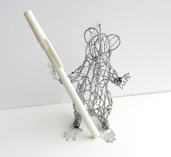 Twisting Wire To Create Cute Animal Sculptures