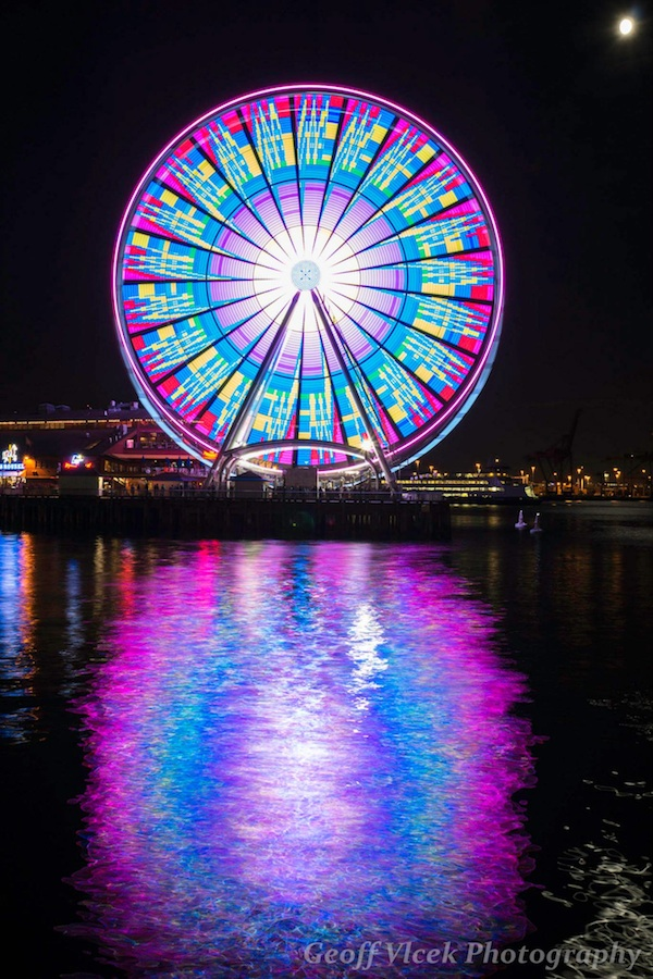 Giant Of Modern Photography At >> Mesmerizing Long Exposures Of Seattle S Giant Ferris Wheel