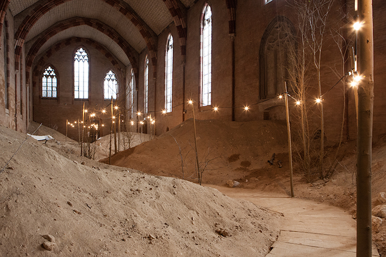 Artist Transforms A Refectory Of A Jacobian Convent Into Multi-Sensory Art Installation