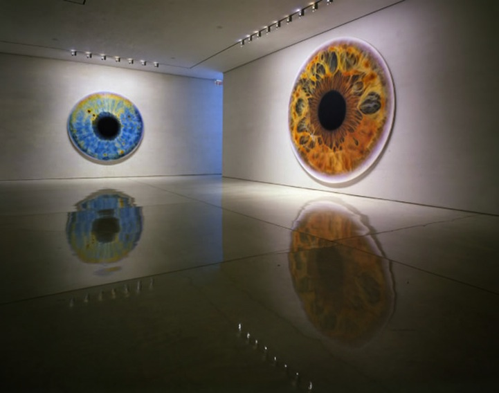 marc quinn creates hyperrealistic oil paintings of eyeballs