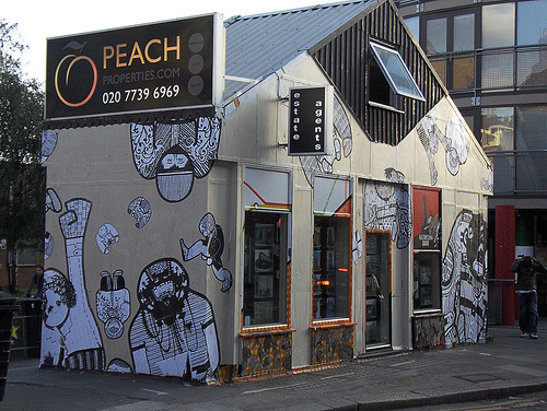 Urban Street Art - The Ophans by AT.AW. | 500 x 376 jpeg 172kB