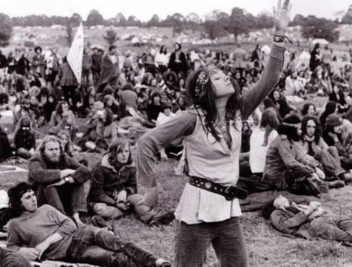 Hippie Fashion From The Late 1960s To 1970s Is A History Lesson