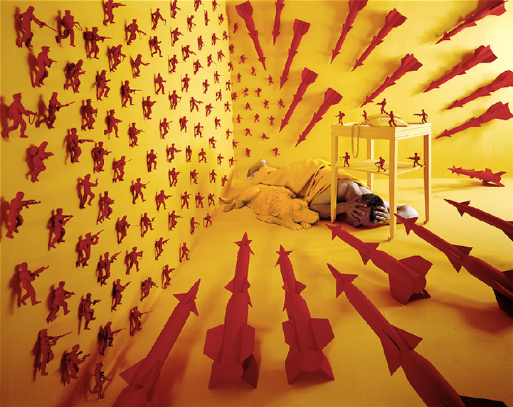 sandy skoglund surreal sets non-photoshopped scenes surrealism photography