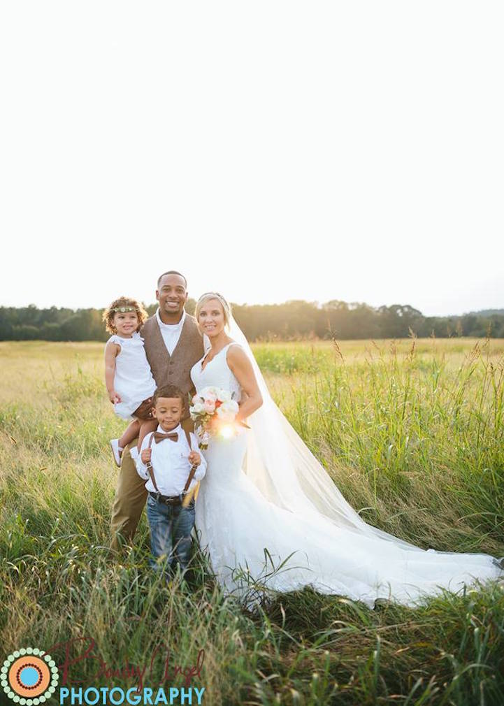 Bittersweet wedding photo pays tribute to 8 year old son for Who pays for wedding photographer