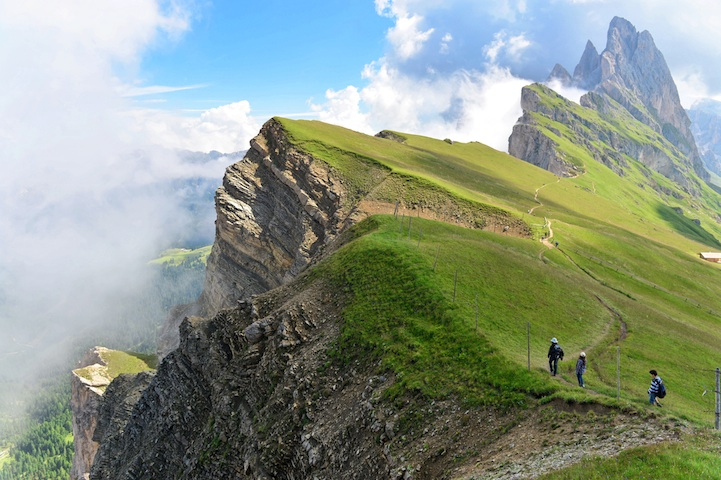 breathtaking photos of odle in the dolomites mountain range of italy