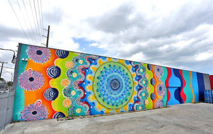 Brightly Colored Murals Mesmerize with Their Hypnotic Abstract ...